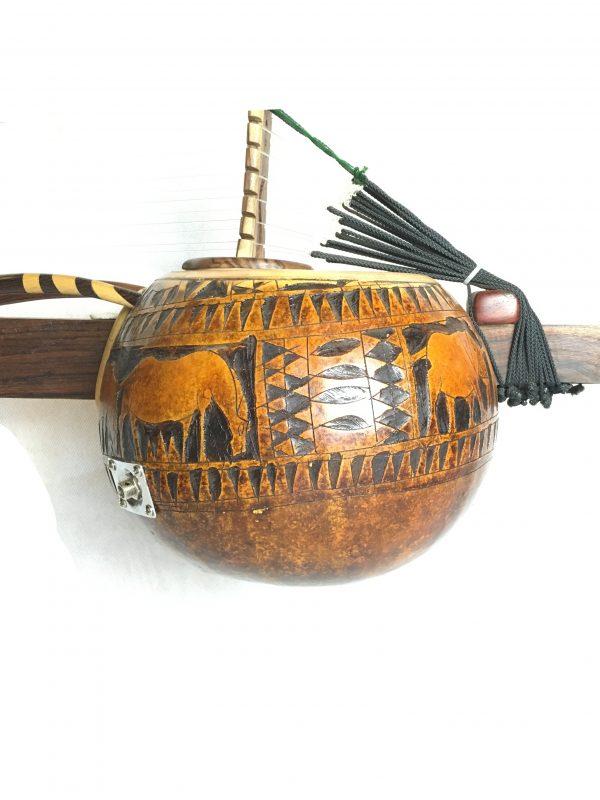 calebasse gravée instrument de musique africain